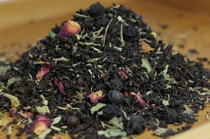 Чай из чабреца мяты и липы